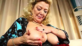Undersexed mom unleashes her naughty side