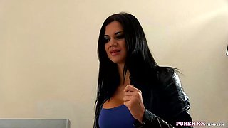 Housewife jasmine jae cheats on her husband