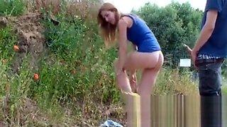 MiaHaze Beine breit im Freien fuck girl love on the Street