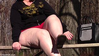 BBB Smoking Goddess In The Park