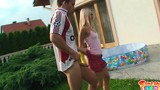 Blonde in rubber gloves fucked outdoors