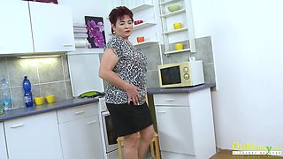 OldNannY Hot Mature Lady in the Kitchen