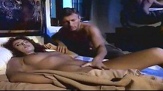 Freira quer ser mulher nua e ama sexo com soldado