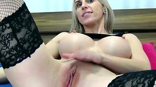 Hot milf cant stop masturbating on cam