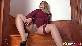 All alone lustful whore Ashley Rider stretches her own pussy a bit