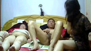 Chinese milfs shares on a single cock where they gave her hard fuck