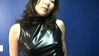Solo Korean amateur shows her sexy pussy