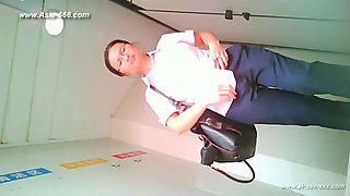 chinese girls go to toilet.85