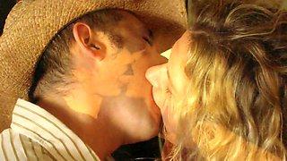 Slideshow of Amateur Couples Deep Tongue Kissing