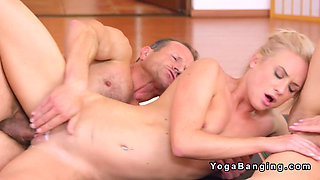 Fitness coach bangs cums and bangs in threesome