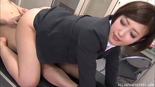 Experienced Japanese office worker knows how to seduce a lover
