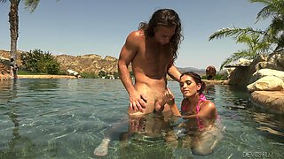 Brooke Haze wants to be fucked on a beach by a hot guy
