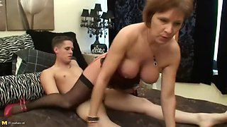 mother gets creampie from her son
