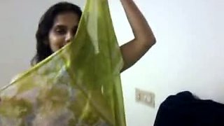 Indian hot housewife Shyna Bhabi shows her body to her husband.