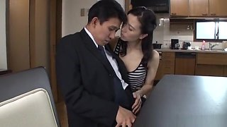 Hardcore housewife gets her cunt penetrated