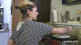 Fun in the Kitchen - Ersties