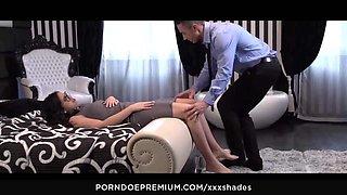 XXX SHADES - Julia De Lucia enjoys erotic foot massage