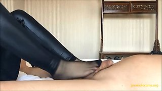 Chinese cute girl footjob boyfriend