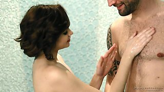 Attractive American masseuse JoJo Kiss turns massage into MFF 3some