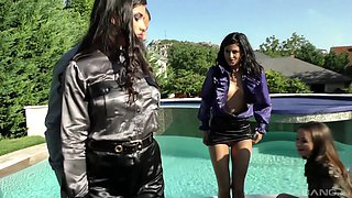 Hot fourway with Rachele Richey, Coco de Mal and Mira Cuckold