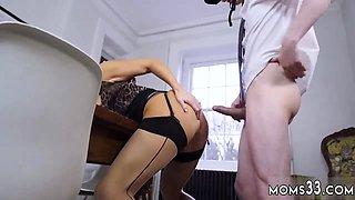 Milf masturbates on kitchen counter Having Her Way With A Ro