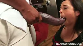 Juicy porn bitch Aarielle Alexis stuffs her mouth with a monster cock