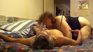 Licking granny&#039s big pussy