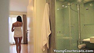 Young Courtesans - Eveline Neill - A perfect first sex job