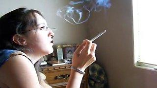 Nadia Smoking Goddes