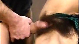 Une secrétaire baisée par son patron au bureau