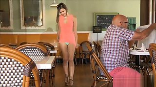 upskirt pussy in a busy cafe