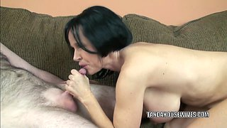 Mature babe Melissa Swallows gives a blowjob to a stranger