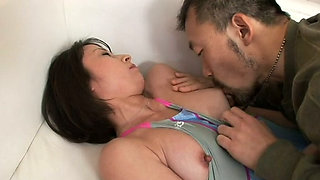 Tight pussy of Yuki Mitsui gets polished by dildo