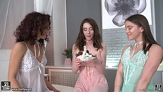 New pink dildo is a real help for torrid slender Evelina Darling and her girls