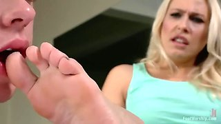 pervy coach licks angel allwood's feet and eats her out in a gym