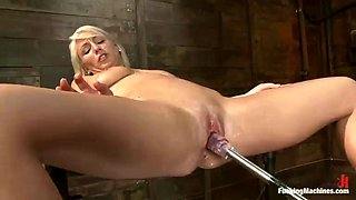 blonde lexi swallow gets her pussy fucked by machines