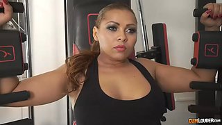 racy latina milf with thick booty perla gets ass fucked in gym