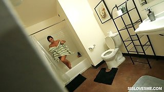 Spoiled stepsister Aidra makes cum bubbles and gets her pussy fucked