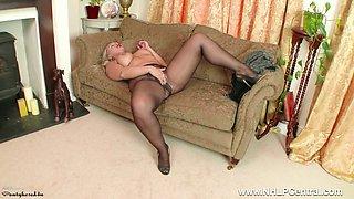 Curvy blonde Beth Bennett wanking dildo toy in shimmering nylon pantyhose and stilettos