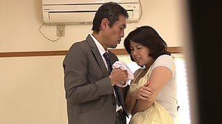 Japanese housewife licked and fucked by her husband