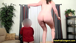 Casting amateur pussylicked by midget agent