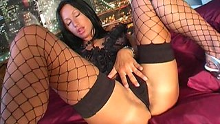 Naughty hot ass chick Taylor plays with favourite sex toy in hot masturbation