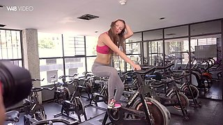 Attractive hottie Kiara Lorens is stripping and touching her pussy at the gym