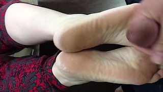 Cum on soft morning soles