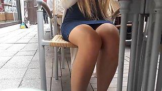 Cute yng gf&#039s sexy legs upskirt under table