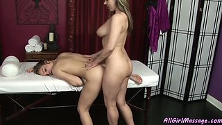 Two sensual babes licking each others pussies in 69 position