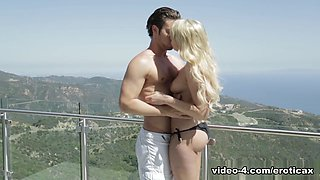 Horny pornstars Summer Day, Mia Malkova, Seth Gamble in Exotic Blonde, Big Tits sex video