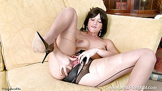Tracy Rose wanks in seam pantyhose