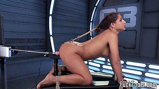 Machine babe stretching pussy till orgasm
