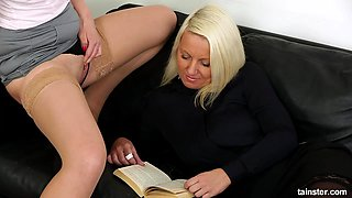 Curvy blonde lesbian pussy pleasured with nice licking